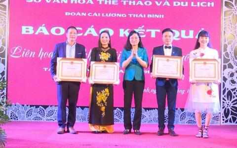 UBND tỉnh Thái Bình trao bằng khen cho 4 nghệ sỹ đạt giải