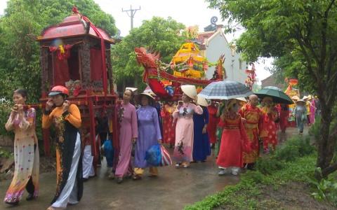 Mở hội truyền thống Đình làng Đông Trì