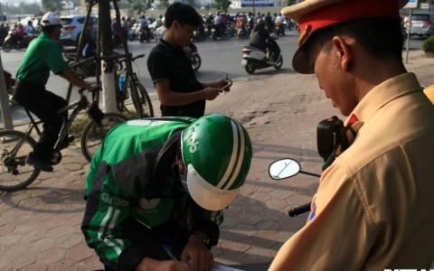 Kỷ luật 21 cán bộ, chiến sĩ CSGT 'làm luật' như ảo thuật ở Hà Nội