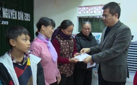 Trao quà tết cho hộ nghèo huyện Tiền Hải