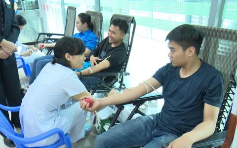 Hơn 200 đoàn viên thanh niên tham gia hiến máu tình nguyện