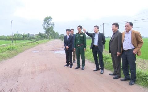Kiểm tra tiến độ xây dựng Nông thôn mới ở xã Đông Lĩnh, huyện Đông Hưng