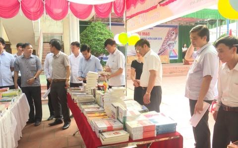 Huyện Đông Hưng tổ chức ngày sách Việt Nam