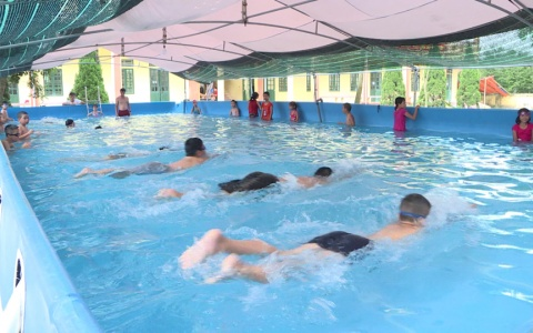 Dạy kỹ năng bơi cho trẻ, phòng đuối nước