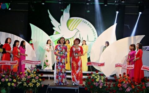 Phụ nữ Việt giữ gìn bản sắc dân tộc tại Cộng hòa Séc
