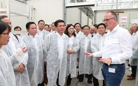 Tìm hiểu về lĩnh vực phát triển nông nghiệp công nghệ cao và năng lượng sạch tại Hà Lan và Thụy Sĩ