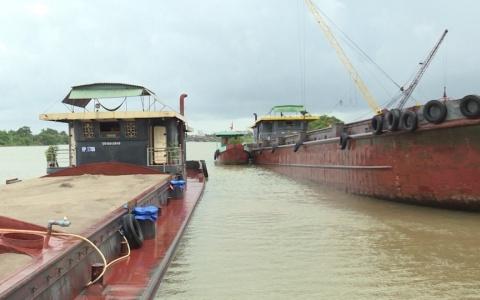 Cao điểm kiểm soát phương tiện thủy nội địa