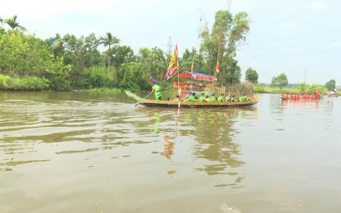 Hội thi bơi chải tại lễ hội đền Đồng Bằng