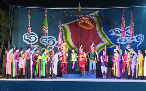 Biểu diễn nghệ thuật tại lễ hội đền mẫu Hạ Đồng