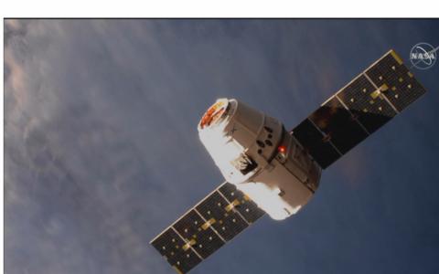 Tàu SpaceX lắp ghép thành công với ISS
