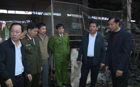 Đồng chí Bí thư Tỉnh ủy kiểm tra vụ cháy chợ Đề Thám