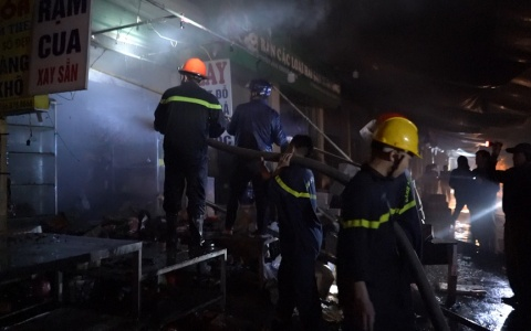 Thông tin ban đầu vụ cháy chợ Đề Thám tối 14/1/2020