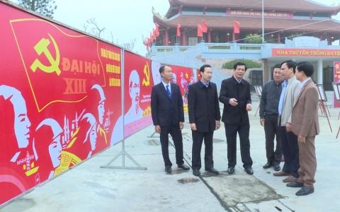 Triển lãm ảnh kỷ niệm 90 năm thành lập Đảng