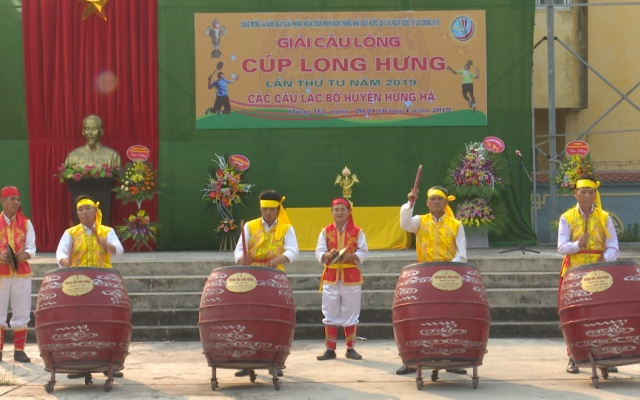 Khai mạc Giải cầu lông các Câu lạc bộ huyện Hưng Hà tranh cup Long Hưng lần thứ 4