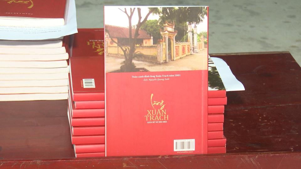 Ra mắt tập sách viết về truyền thống lịch sử văn hóa làng